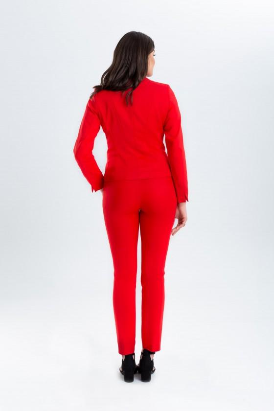 Czerwony garnitur z taliowanym żakietem m670 i dopasowanymi spodniami m808