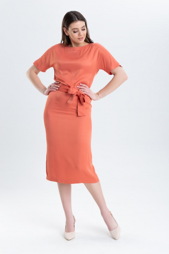 Prosta sukienka z paskiem m 969 ceglana